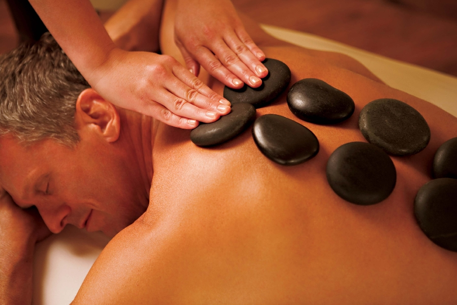 relaxing-full-body-hot-stone-massage-