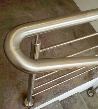 stainless-steel-balustrades